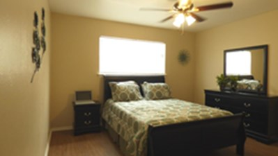 Bedroom at Listing #130609
