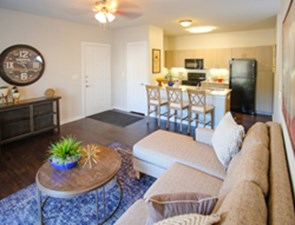 Living/Kitchen at Listing #289428