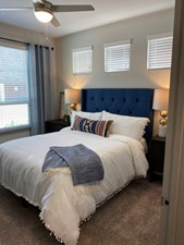 Bedroom at Listing #337230
