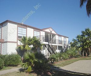 Pelican Landing Apartments , TX