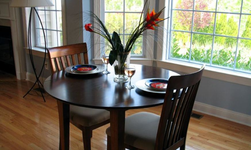 Dining at Listing #141028