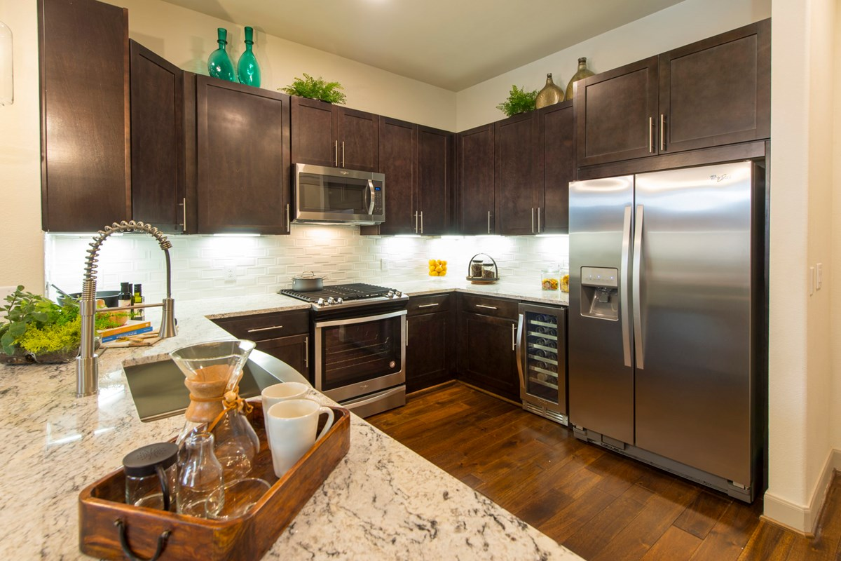 Kitchen at Listing #287221