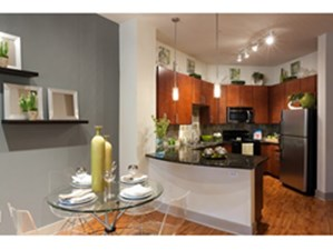 Dining at Listing #144646