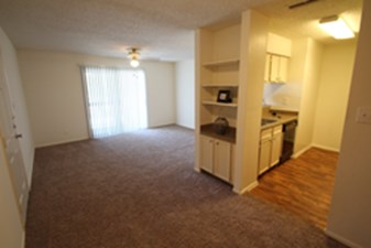 Living/Dining at Listing #136280