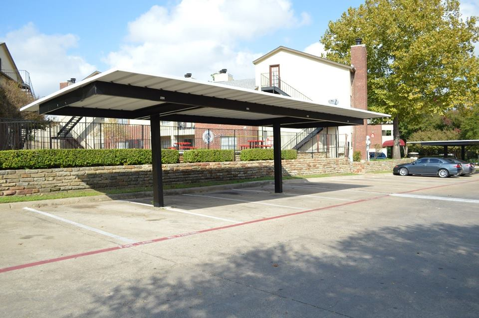 Covered Parking at Listing #136433