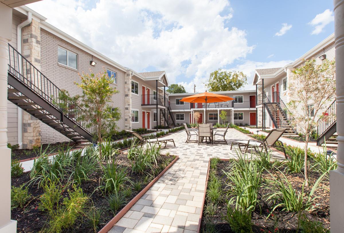 Grove at 43rd Apartments Houston, TX