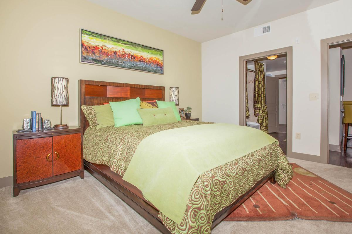 Bedroom at Listing #152477