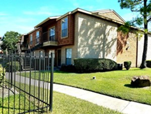 Inwood Grove at Listing #139407
