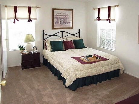 Bedroom at Listing #139893