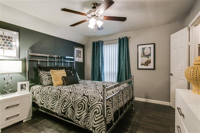 Bedroom at Listing #136430