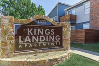 Entrance at Listing #137045