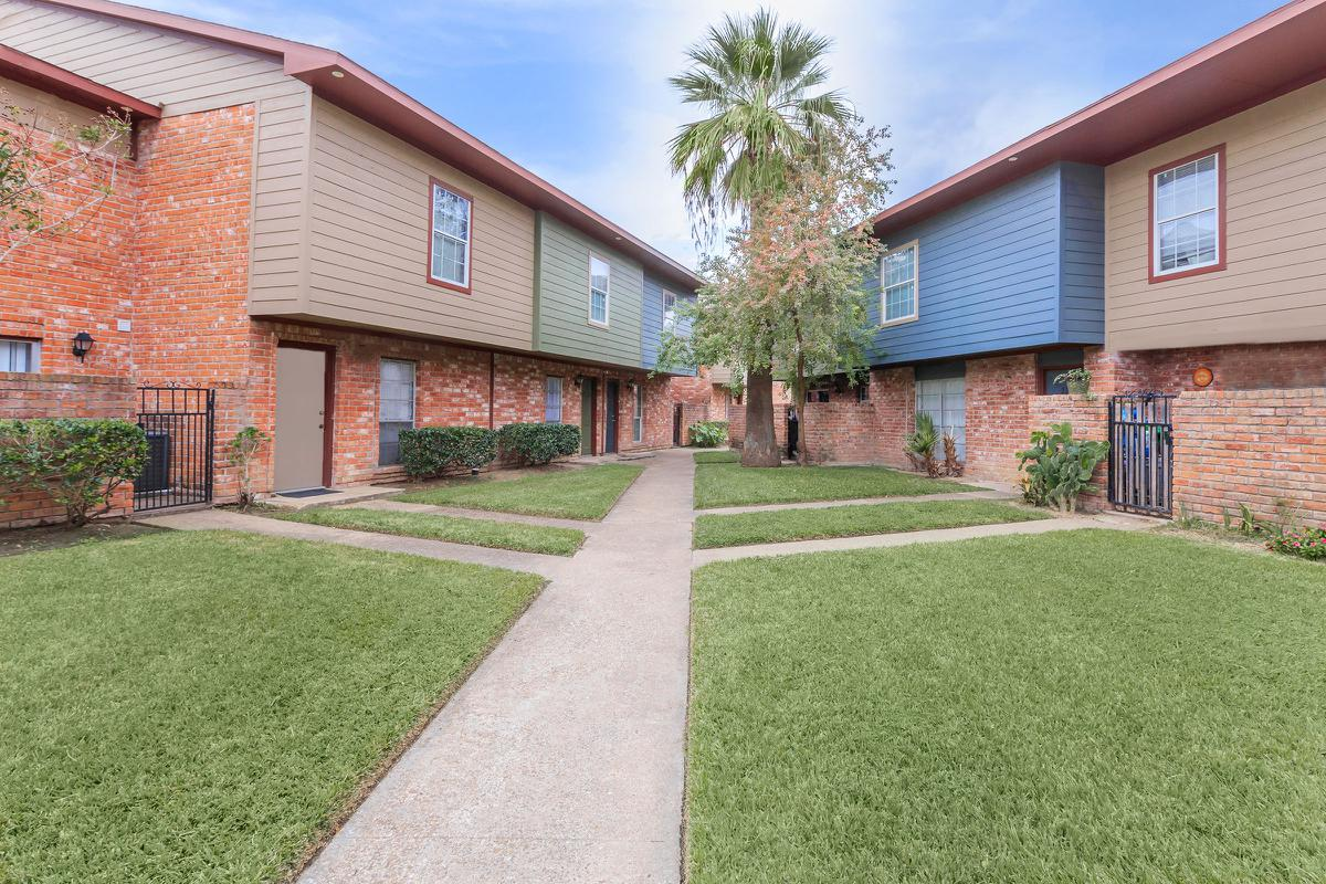 Nottingham Village Apartments Houston TX