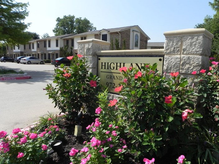 Highlands of Grand Prairie Apartments