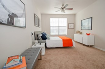 Bedroom at Listing #137914