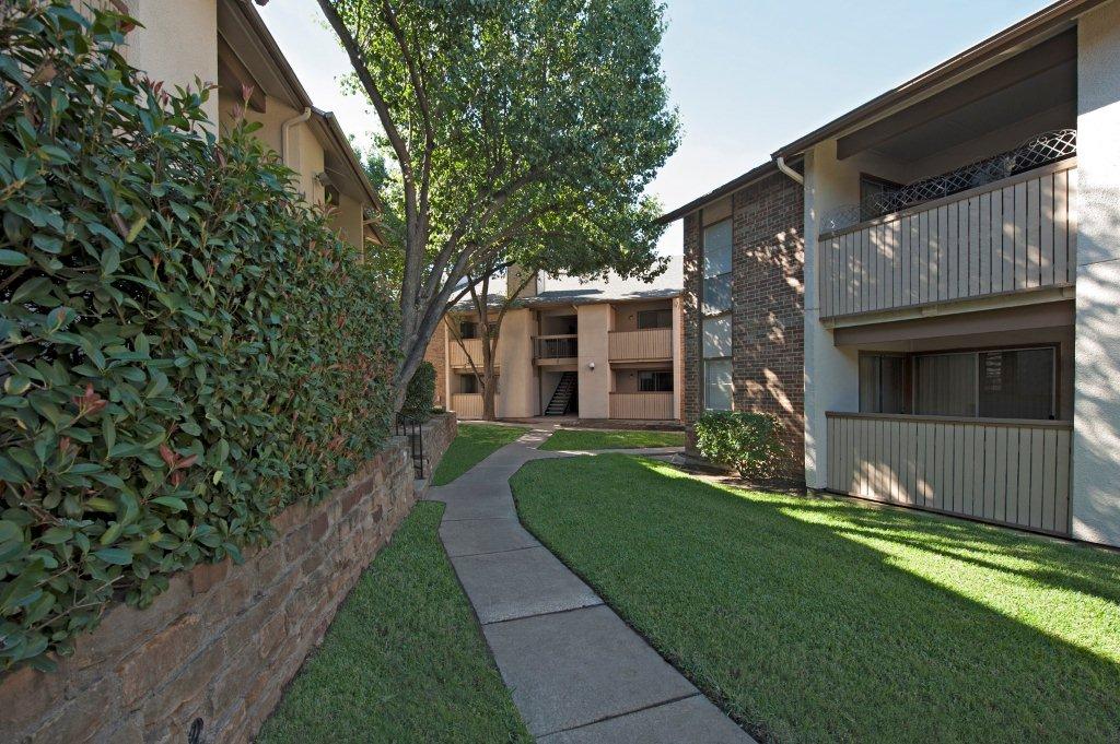 Trinity Mills Apartments Carrollton, TX