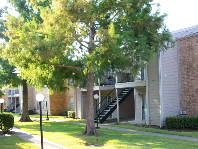 Exterior at Listing #138341