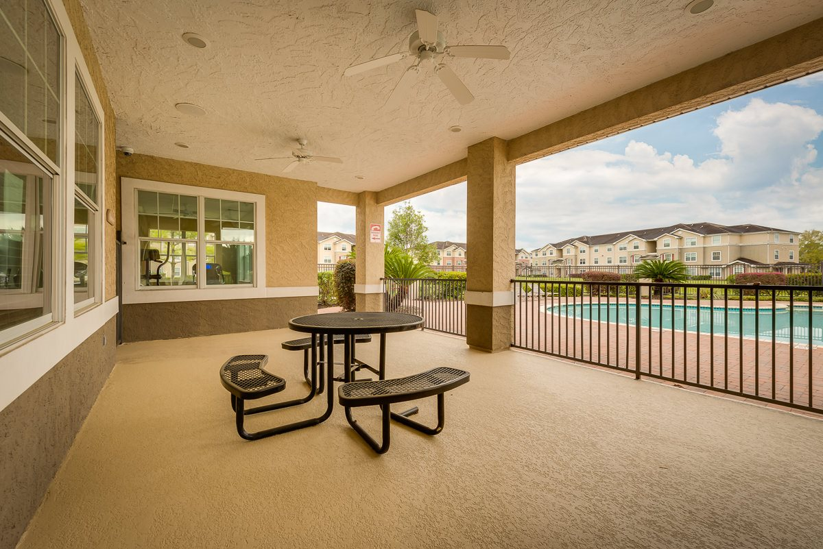 Lounge at Listing #146358