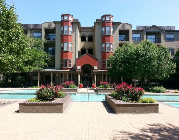 Inwood on the Park Apartments Dallas TX