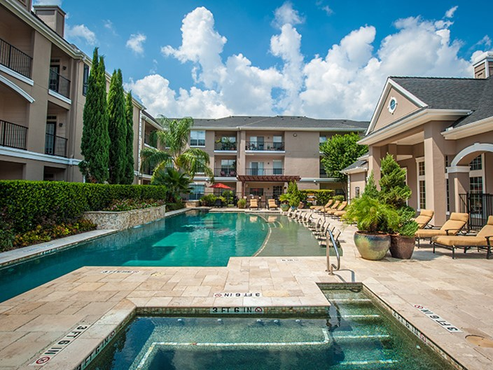 Estates at Bellaire Apartments