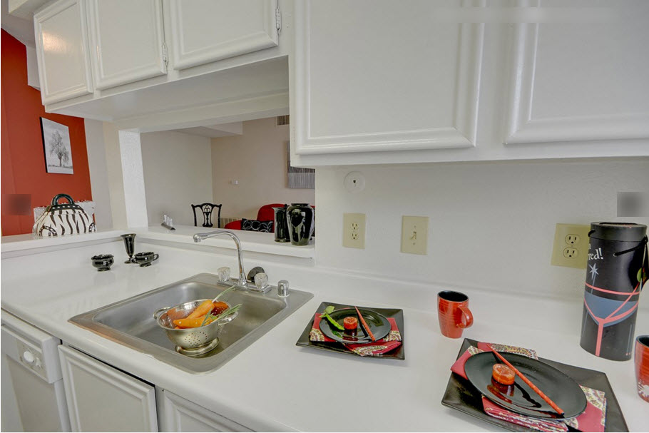 Kitchen at Listing #138807