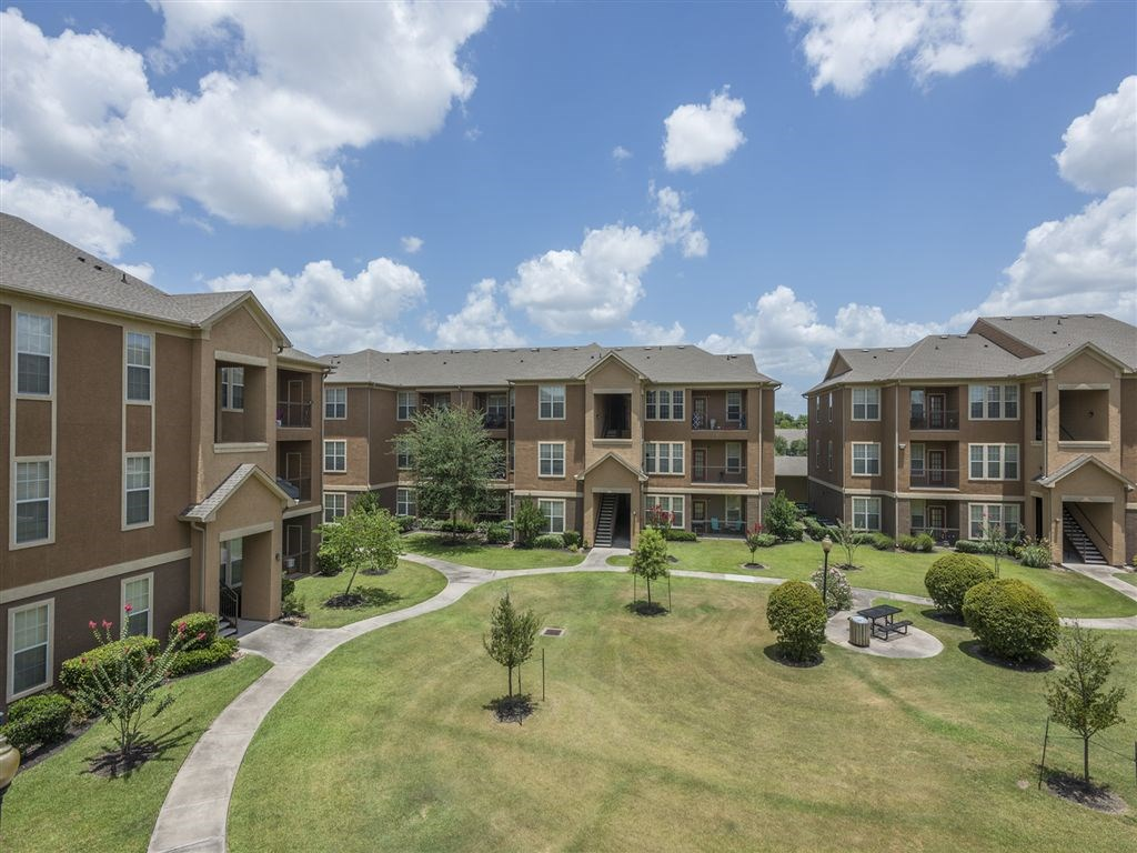 Tiburon Apartments Houston TX