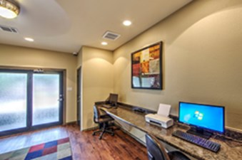 Business Center at Listing #137511