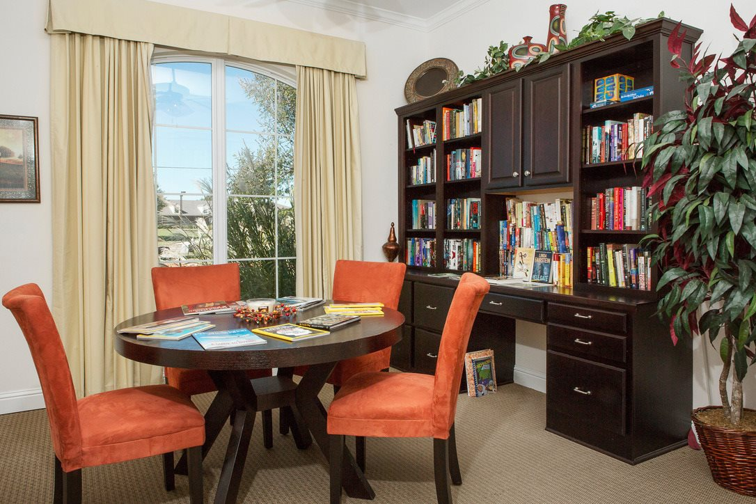 Lounge at Listing #152854