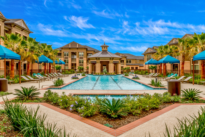 Grand Fountain at Listing #261341
