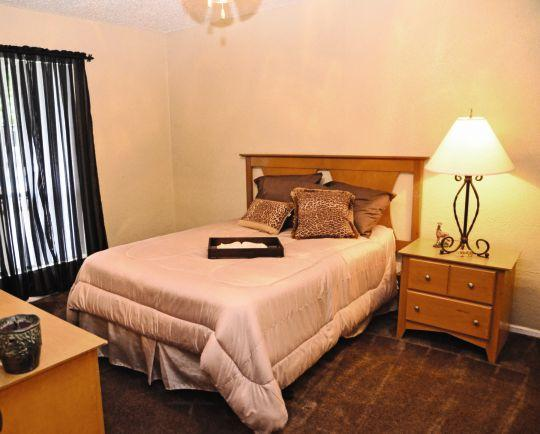 Bedroom at Listing #136299