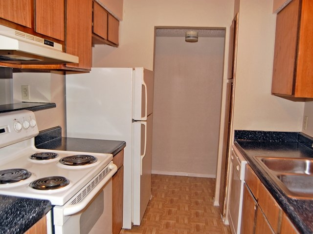 Kitchen at Listing #137118