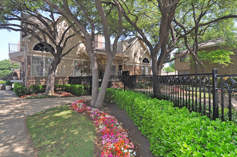 Davenport I & II Apartments Dallas TX
