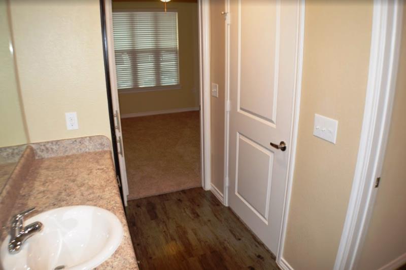 Bathroom at Listing #259011
