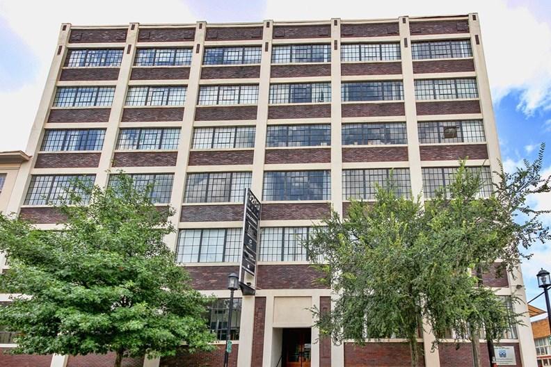 3200 Main Apartments