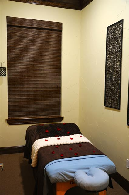 Massage at Listing #138213