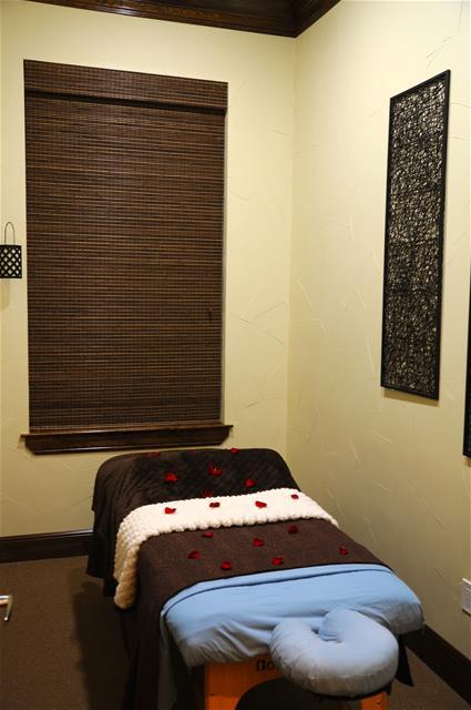 Massage at Listing #138213