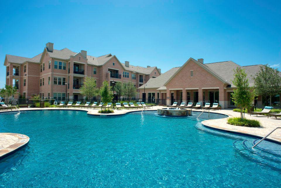 Pool at Listing #282328