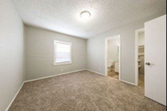 Bedroom at Listing #140913