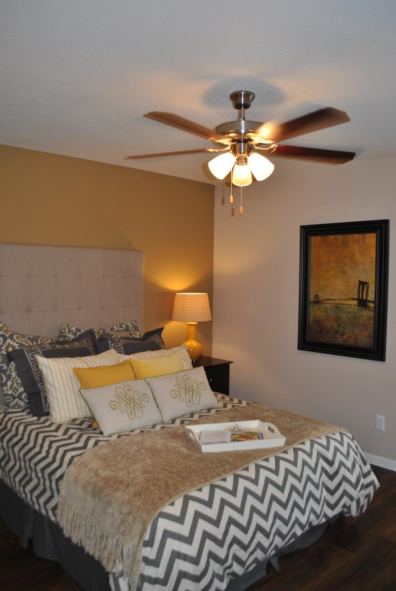 Bedroom at Listing #138936