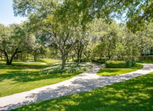 Courtyard at Listing #136685