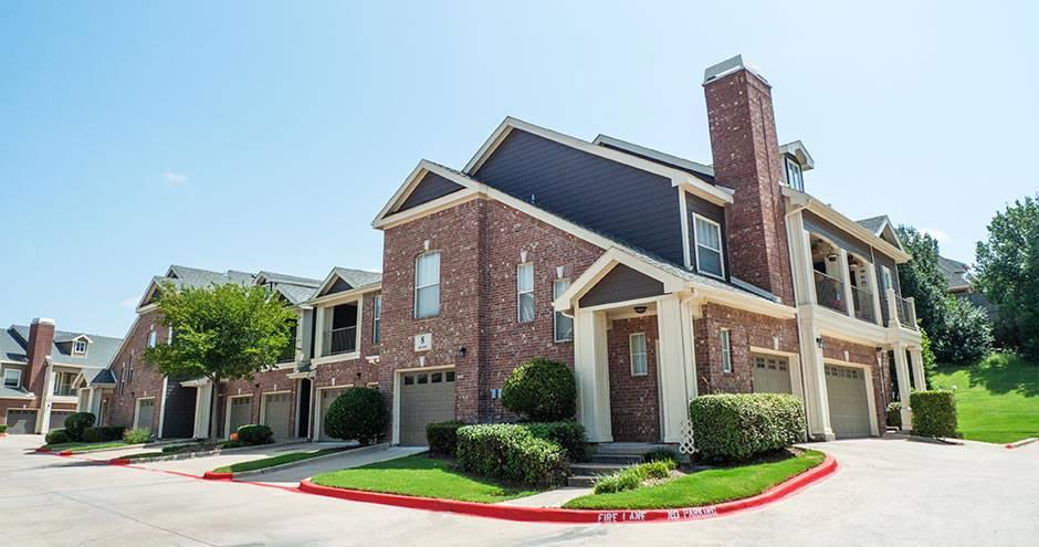 Bella Vida at Coyote Ridge Apartments Carrollton TX