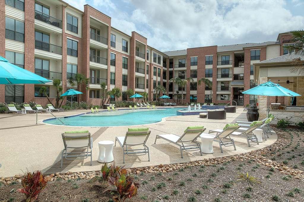 1300 North Post Oak Apartments