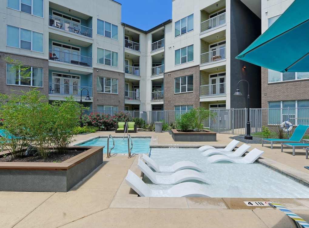 Pool at Listing #150483