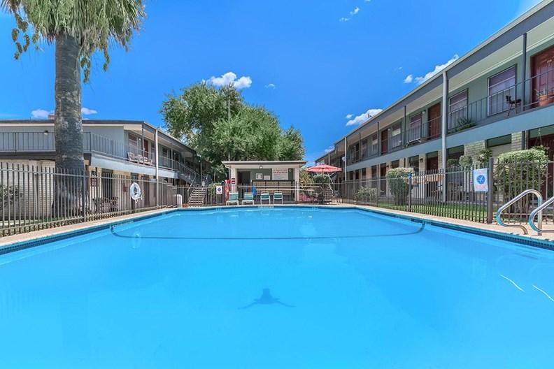 Leon Trace Apartments