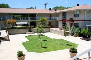 Castle Hills Apartments San Antonio TX