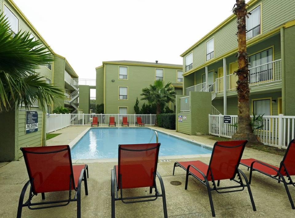 Pool at Listing #138498