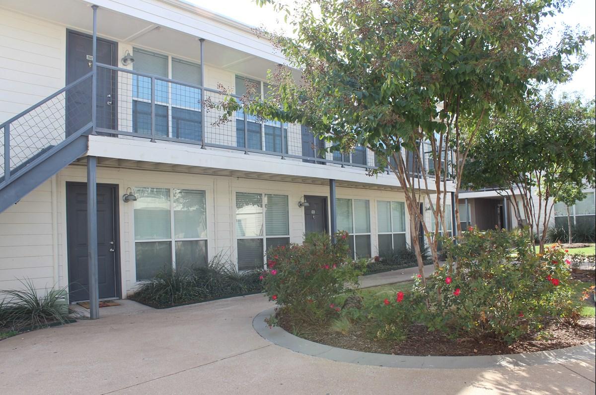 Carillon Apartments Dallas TX