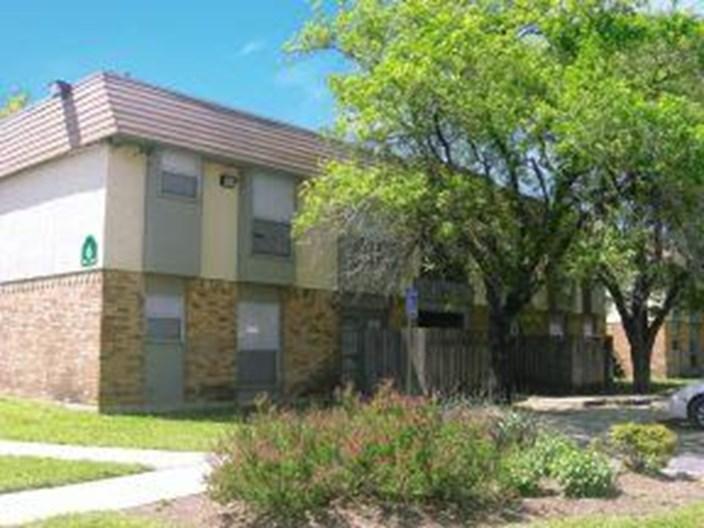 Oak Meadow Villas Apartments