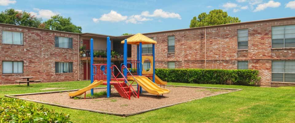 Playground at Listing #138252