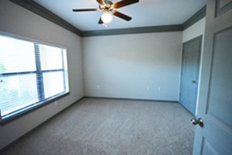 Bedroom at Listing #256374