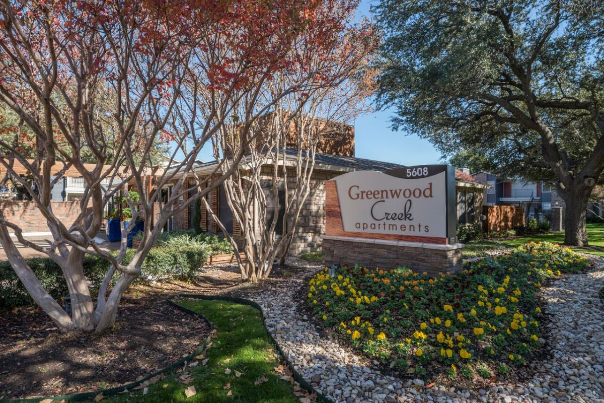 Greenwood Creek Apartments Benbrook TX